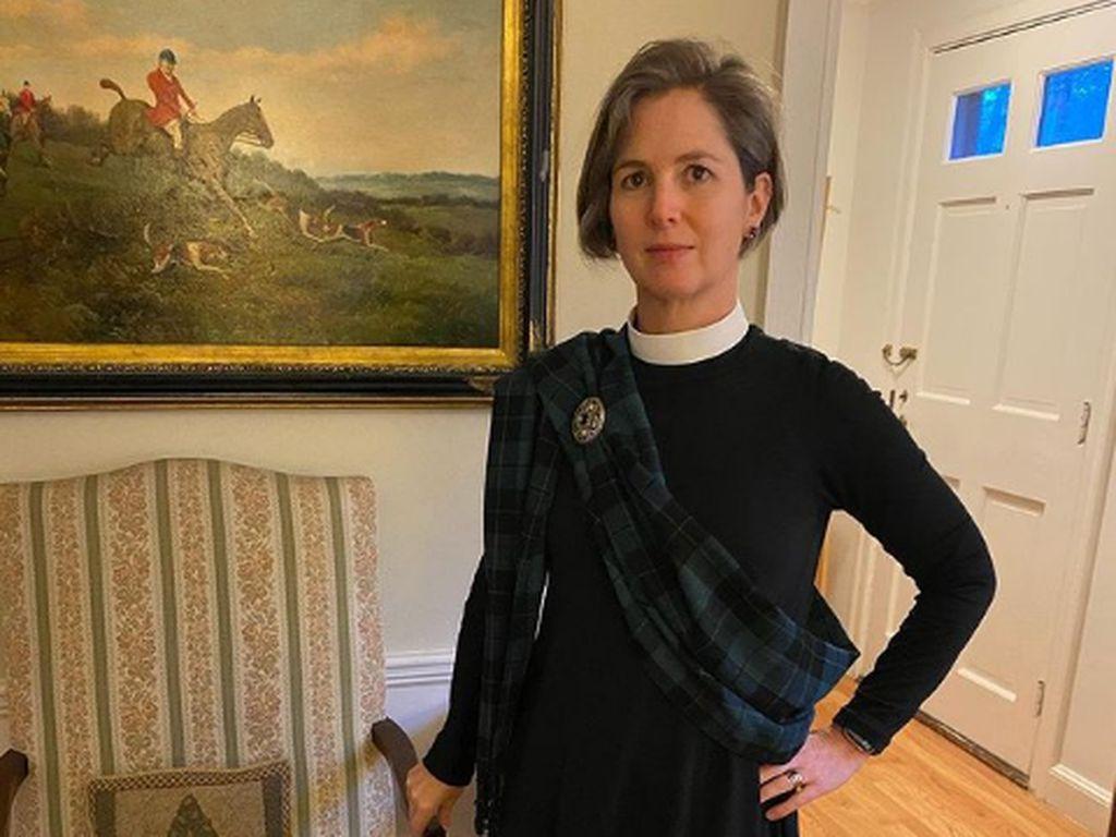 Viral Wanita Pakai 1 Baju yang Sama Selama 100 Hari, Begini Jadinya