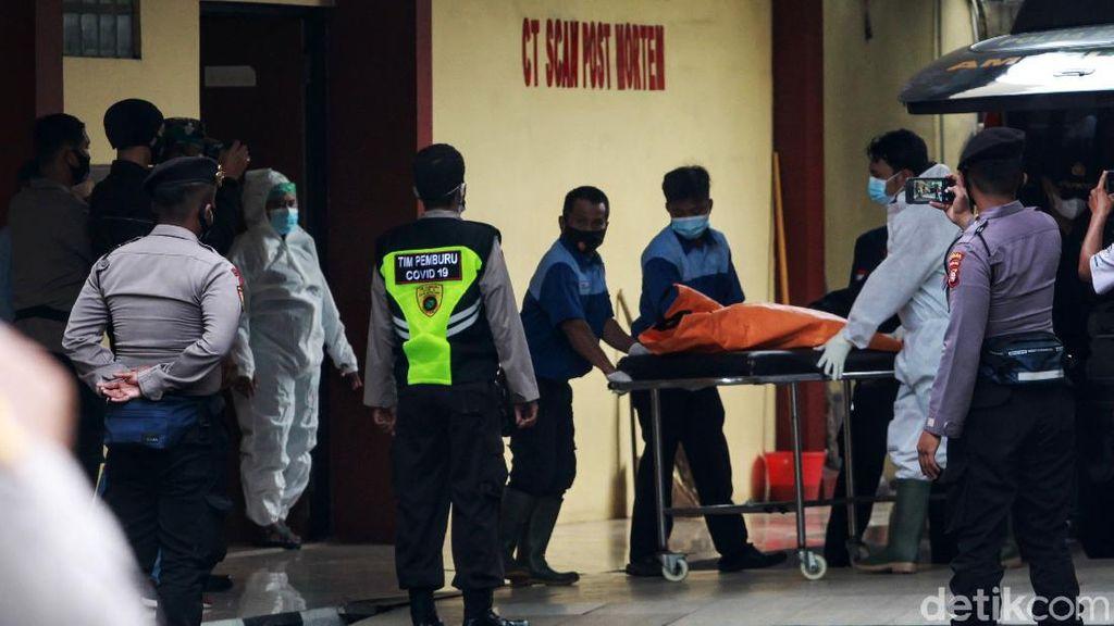 Satu Kantong Jenazah Korban Sriwijaya Air Tiba di RS Polri