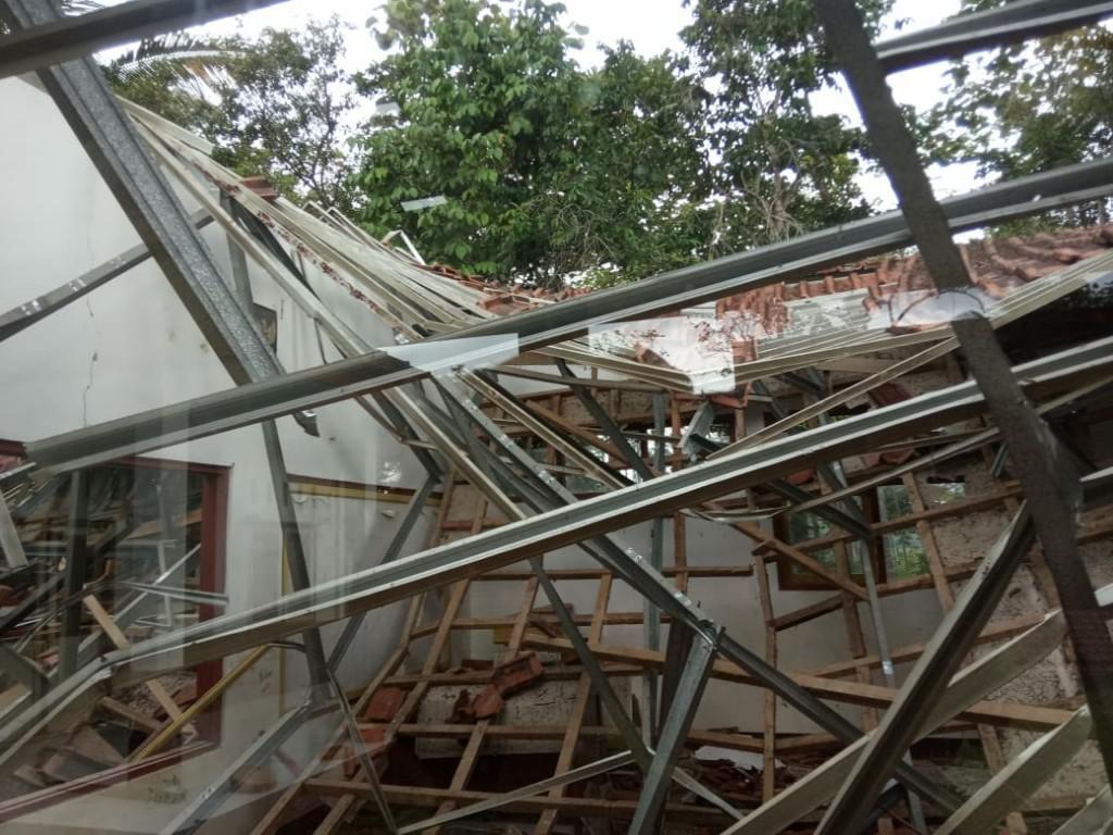 2 SD Ambruk, Disdik Ciamis: Kondisi Bangunan Sudah Lama
