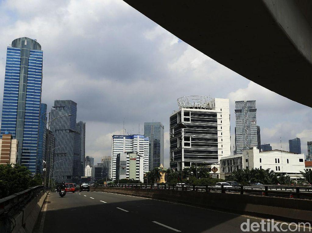 Jakarta Diusulkan Lockdown Akhir Pekan, Kalau Anak Lahir di Pesawat
