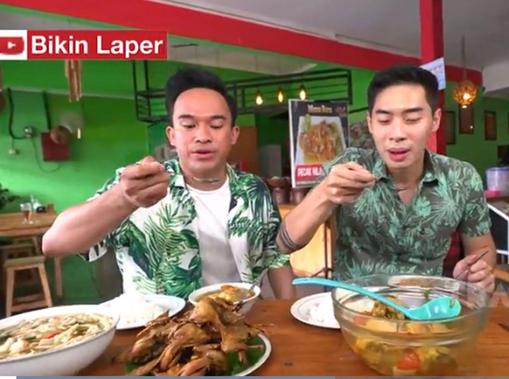 Bikin Laper! Sop Paha Ayam dan Burung Dara Goreng Bikin Lidah Bergoyang