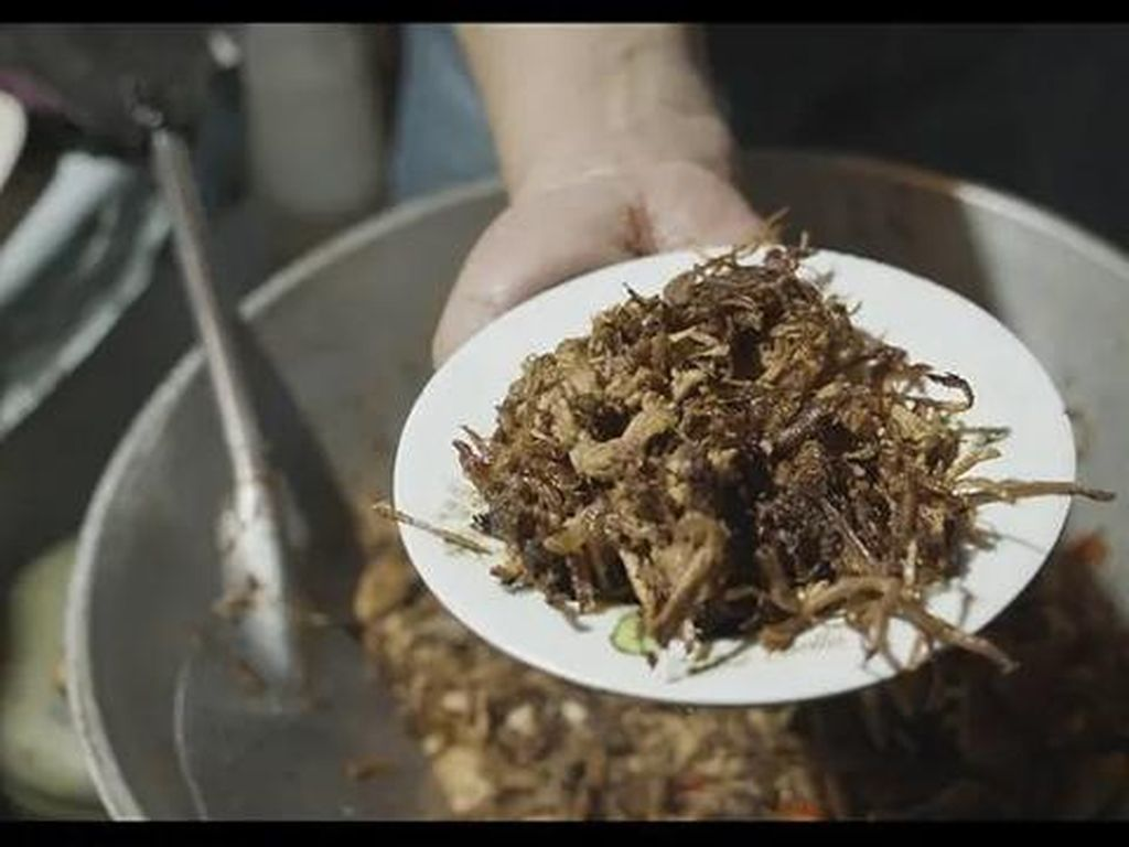 Dibuat Dari Sampah Ayam, Ini Hidangan Favorit Kaum Miskin Filipina
