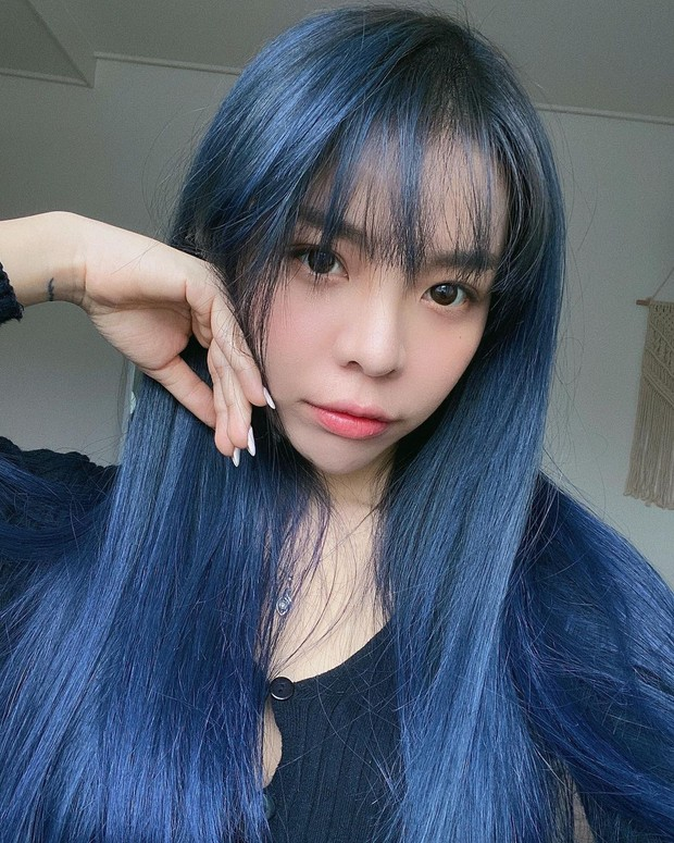Erna Limdaugh blue hair colour/instagram.com/erna_limdaugh
