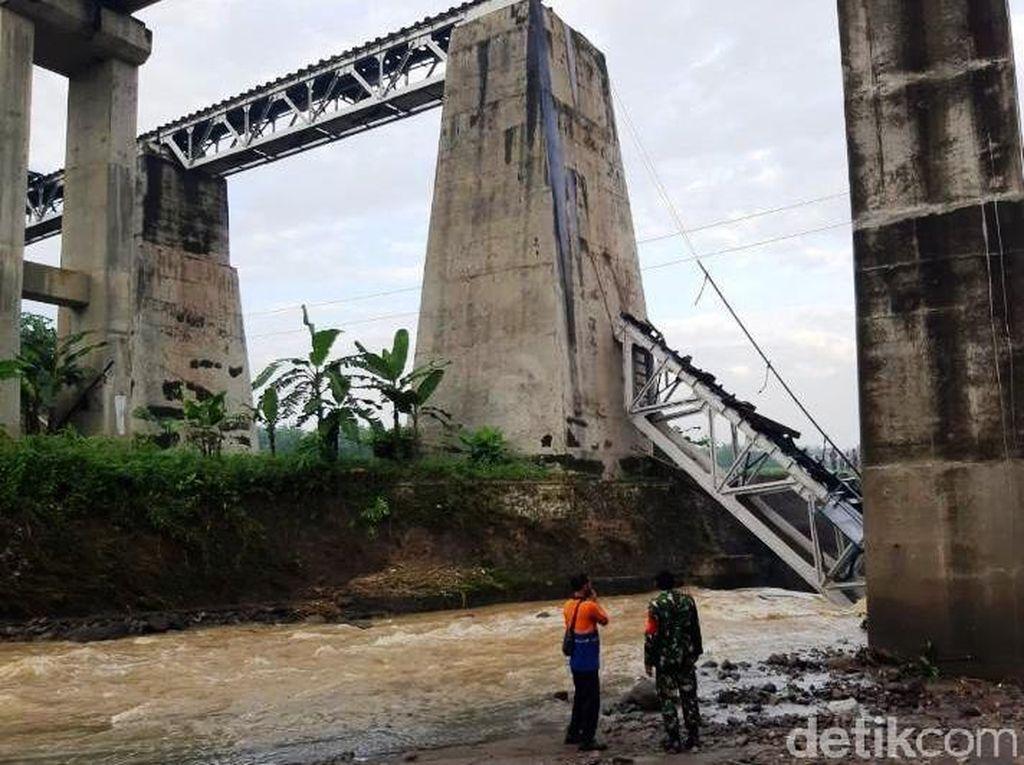 Daop 4 Semarang Alihkan Perjalanan KA Imbas Jembatan Putus di Brebes