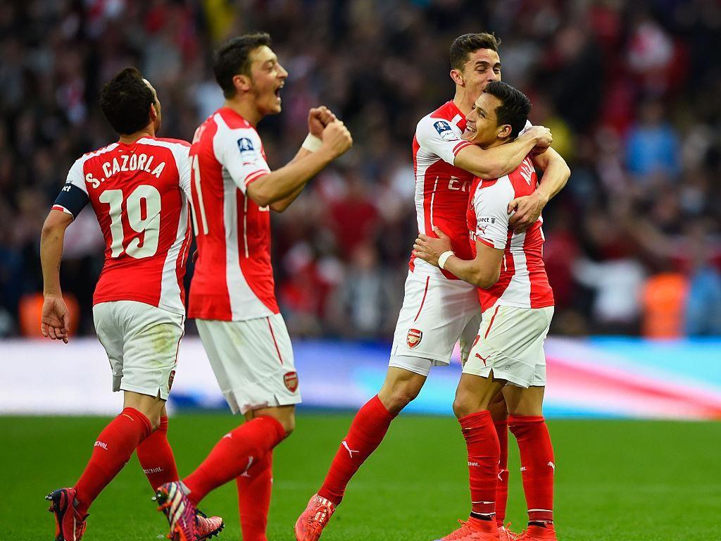 Tim Terbaik Arsenal versi Oezil kok Banyak Pemain Jadul?