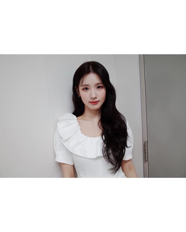 Salah satu anggota (G)I-DLE, Miyeon, akan melakukan debut aktingnya dalam web-drama KakaoTV yang bejudul Replay.
