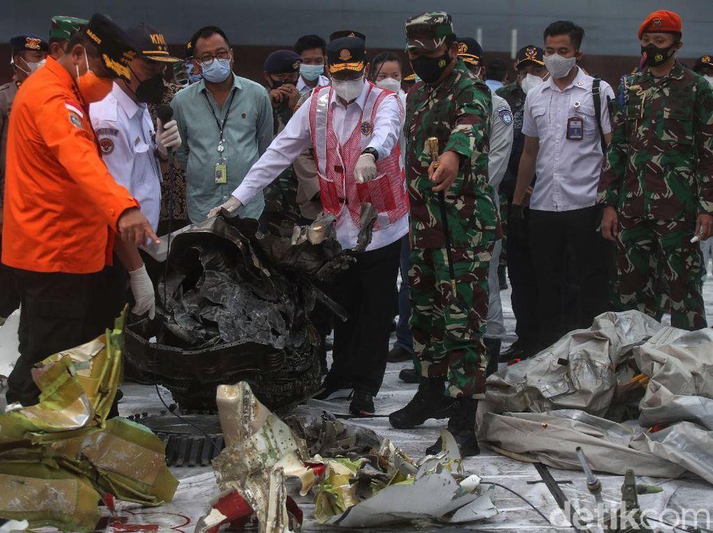 Berhenti Operasi SAR Sriwijaya Air tapi CVR SJ182 Masih Dicari