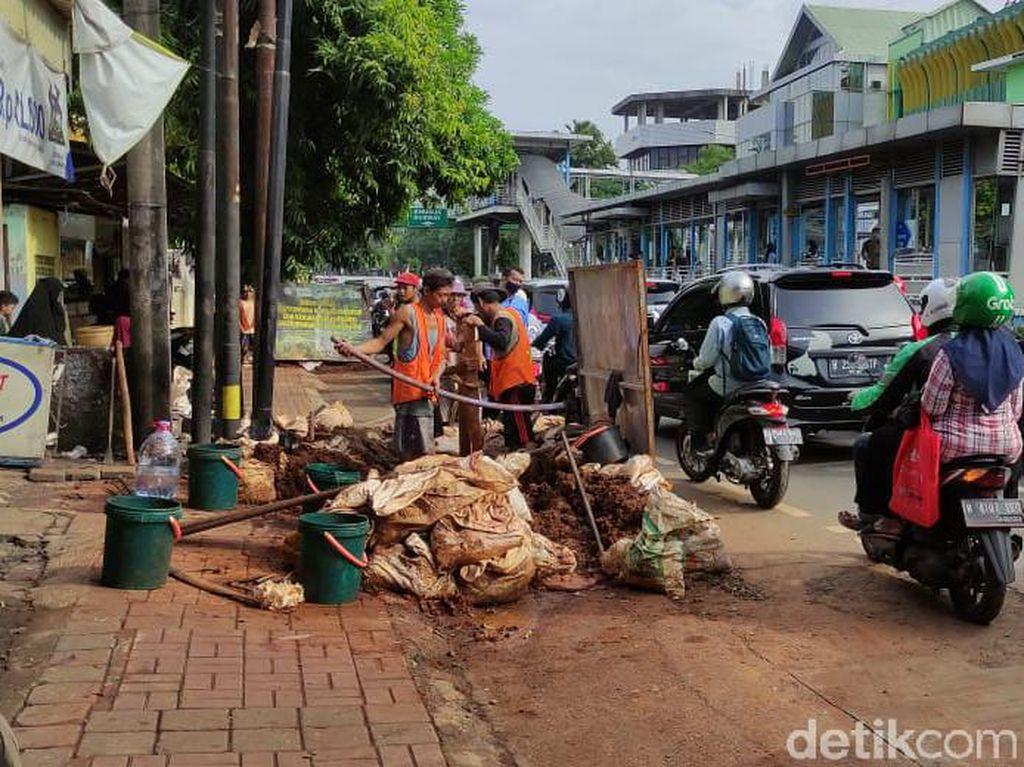 Warga DKI Keluhkan Bongkar Pasang Galian di Mampang: Masa Tiap Akhir Tahun!