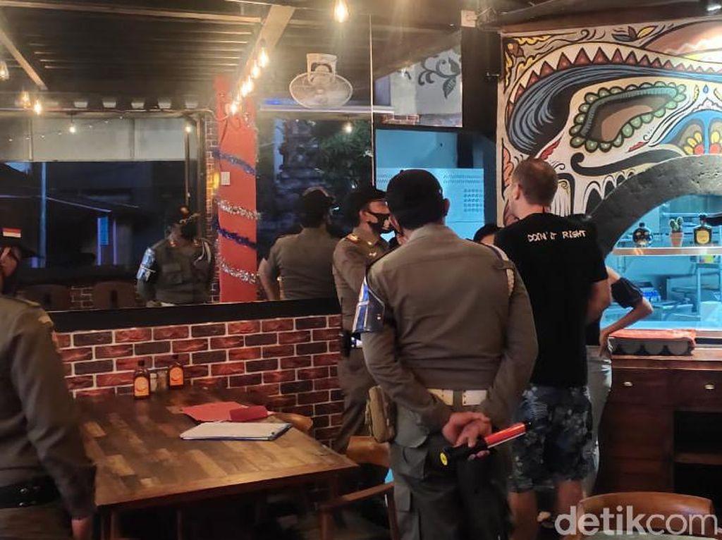 Viral Bule Ngotot di Resto Saat Satpol PP Bali Sidak PPKM, Ini Ceritanya