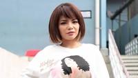 Dear Dinar Candy, Awas Dipenjara 10 Tahun Akibat Jalan-jalan Pakai Bikini