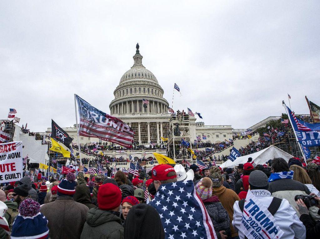 Perusuh Gedung Capitol Didakwa Ancam Bunuh Anggota Parlemen AS