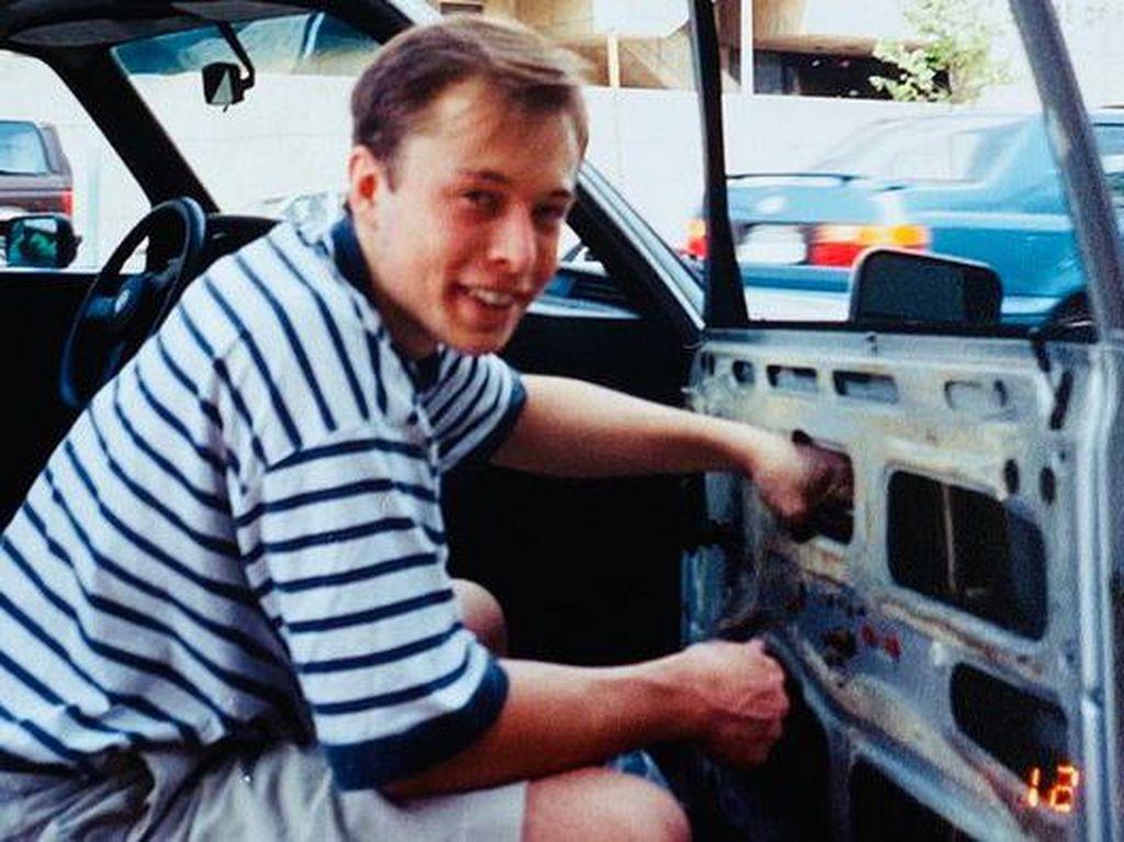Elon Musk Ngetwit soal Signal, Investor Salah Tangkap