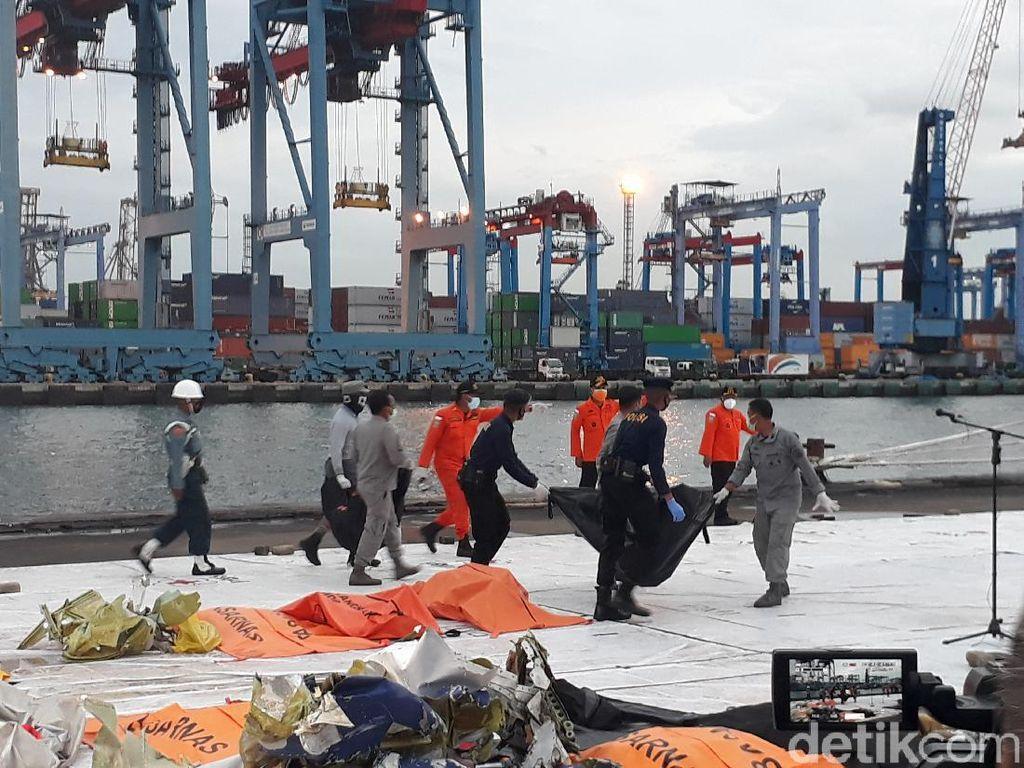 Saat Cuaca Sempat Bikin Pencarian Lanjutan Sriwijaya Air Tertunda