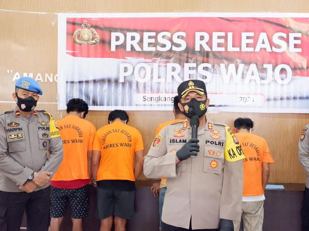 Polisi Tangkap 5 Pelaku Pembakaran Rumah di Wajo Sulsel