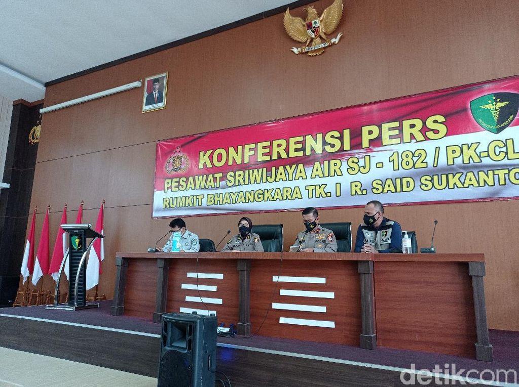 Tim DVI RS Polri Ungkap 4 Korban Sriwijaya Air SJ182 Telah Teridentifikasi