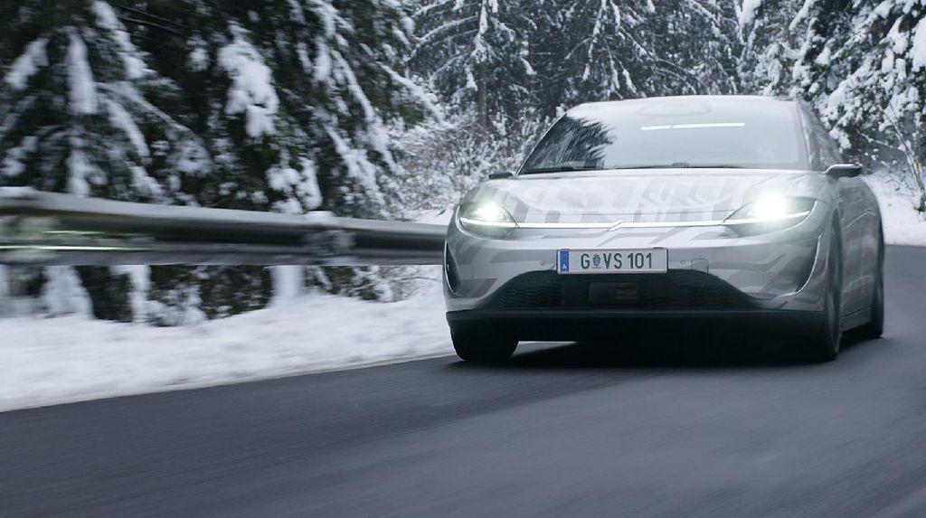 Potret Mobil Listrik Sony Vision-S yang Tes di Jalanan Eropa