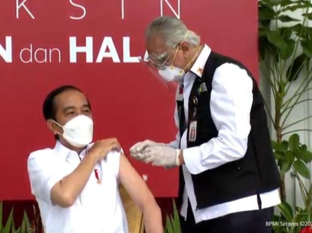 Disuntik Vaksin COVID-19, Jokowi: Nggak Terasa Sama Sekali