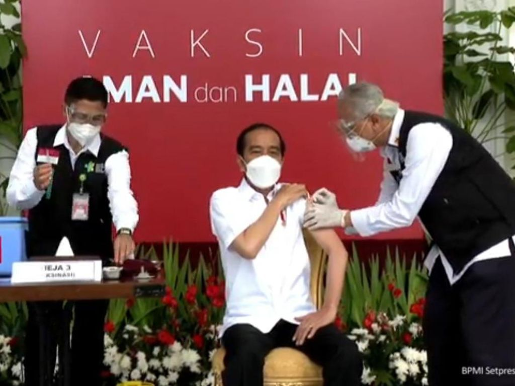 Ini 11 Perwakilan Divaksin Perdana Bareng Jokowi: MUI hingga Pedagang Sayur