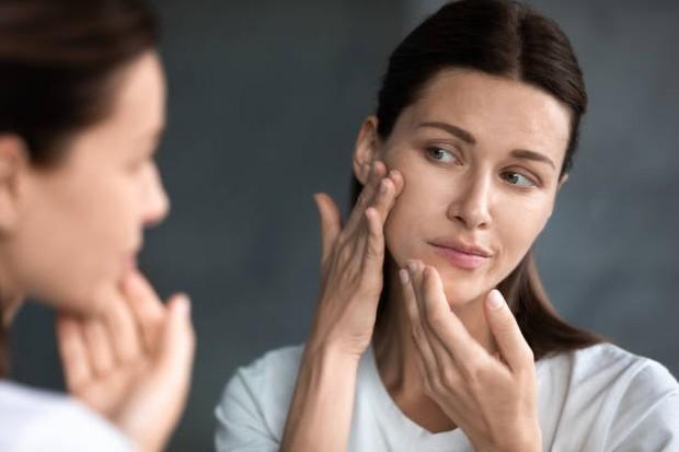 pH kulit yang tidak seimbang mengakibatkan kulit terasa kencang seperti ketarik / foto: istockphoto.com