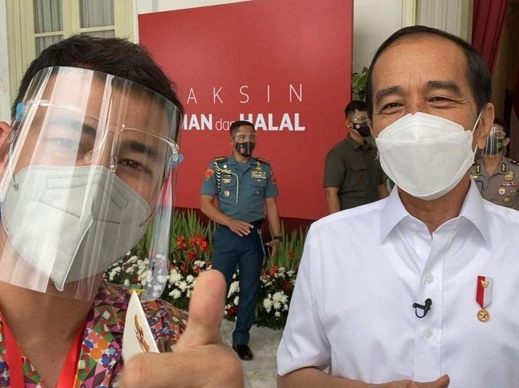 Foto Bareng Jokowi Usai Divaksin COVID, Raffi Ahmad: Buat Bikin Vlog