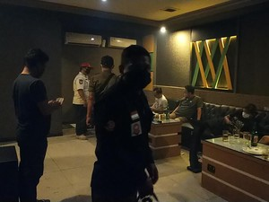 Nekat Buka Saat PPKM, Tempat Karaoke di Surabaya Ini Terancam Ditutup Permanen