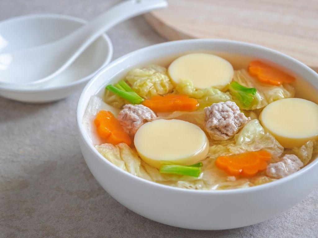 Resep Sop Tofu Bola Ayam yang Gurih Padat Isiannya
