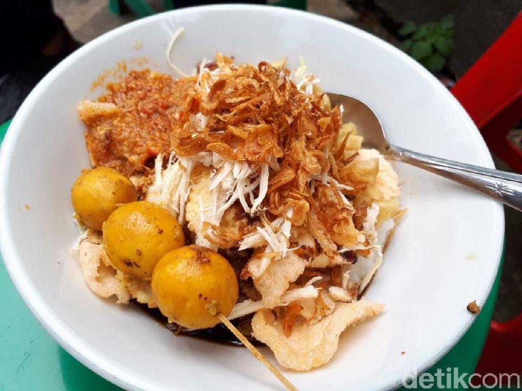 Mantap! 5 Bubur Ayam Enak yang Wajib Dicoba di Bogor