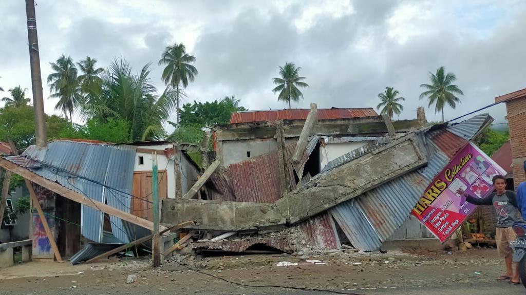 Penampakan Dahsyatnya Dampak Gempa M 5,9 di Majene Sulbar