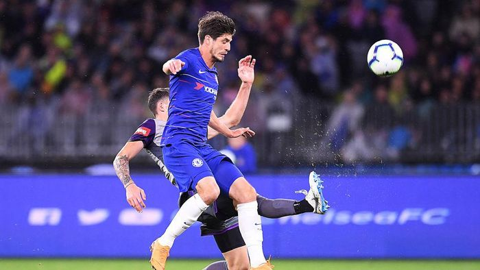 PERTH, AUSTRALIA - JULY 23:  Lucas Piazon of Chelsea and Scott Neville of Perth Glory compete for the ball during the international friendly between Chelsea FC and Perth Glory at Optus Stadium on July 23, 2018 in Perth, Australia.  (Photo by Albert Perez/Getty Images)