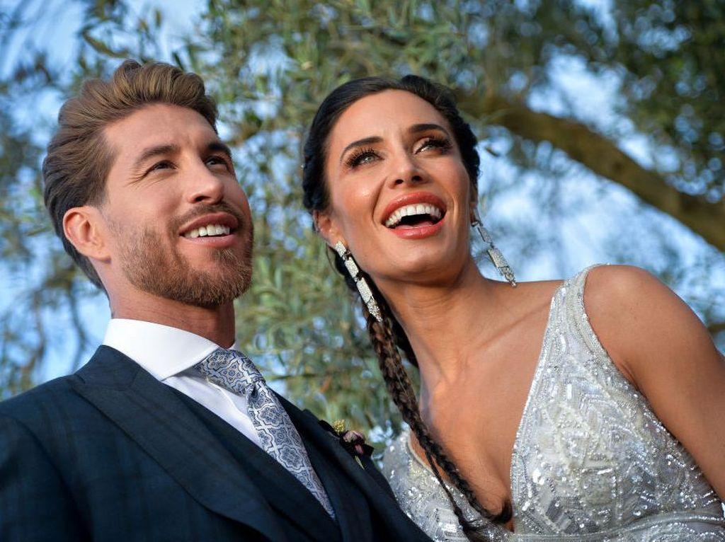Demi Istri, Sergio Ramos Rela ke Manchester United?