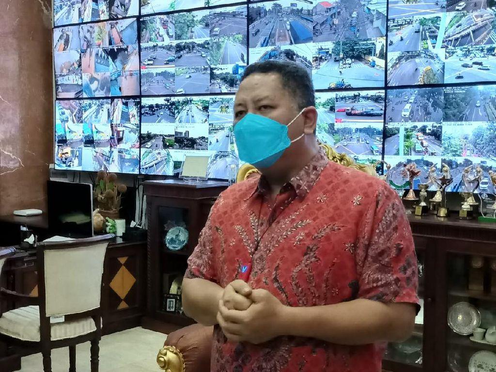 Persiapan Vaksinasi, Pemkot Surabaya Dirikan Tenda di Balai Kota