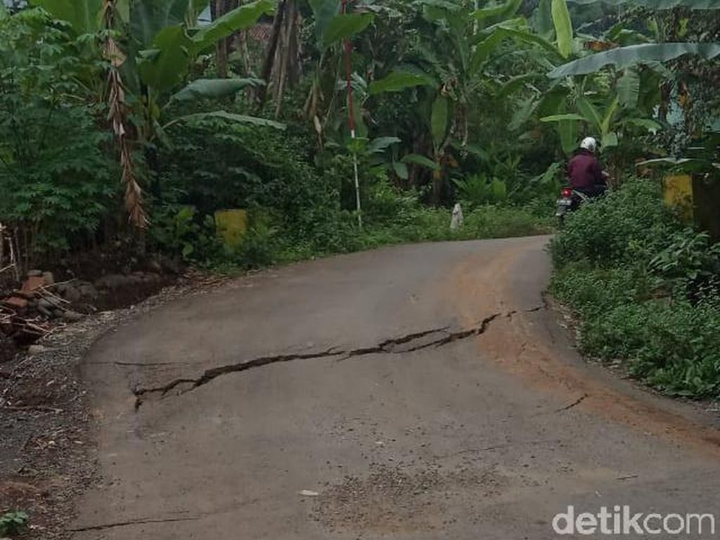 Tanah Gerak di Purbalingga: 40 Rumah-Jalan Retak