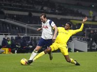 Tottenham Kurang Menggigit, Malah Tergigit Fulham