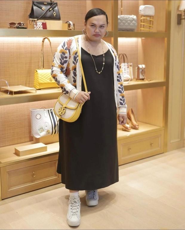 Wanda Haraa lagi shopping di toko/instagram.com/wanda_haraa