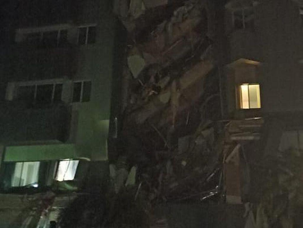 Hotel Maleo Mamuju Rusak Berat Akibat Gempa M 6,2 di Majene