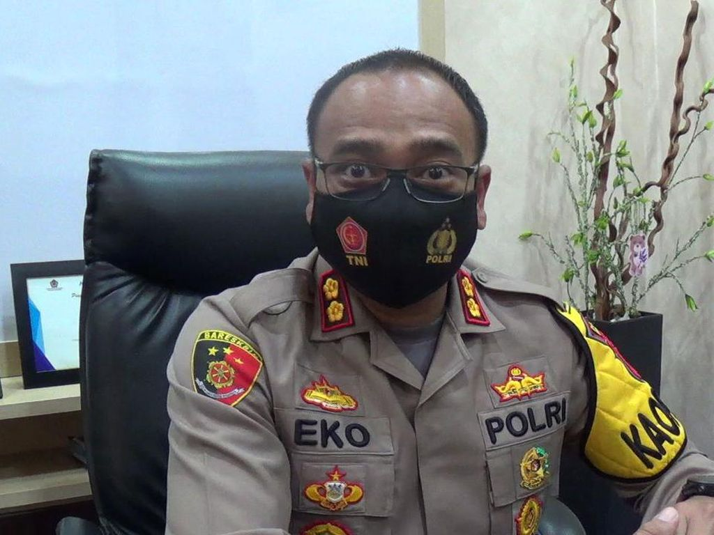 Kantor Perumahan di Cimanggung juga Tertimbun Longsor, Korban Dicari