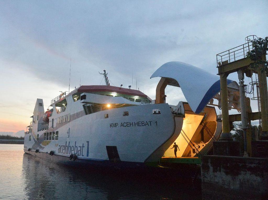KMP Aceh Hebat untuk Transportasi Wilayah Terluar