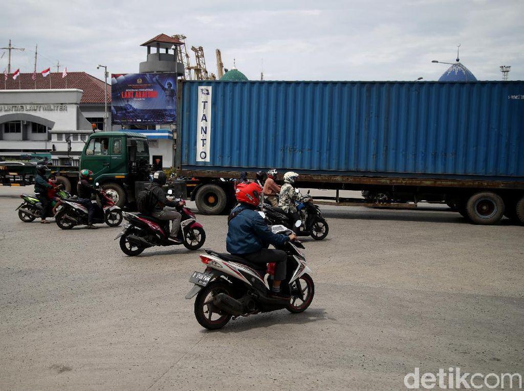 Anggota DPRD Minta Pemprov Segera Pasang Traffic Light di Simpang JICT