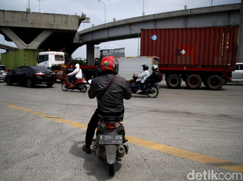 Hati-hati Banyak Kontainer! Simpang JICT Priok Tak Punya Traffic Light