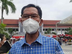 Ketua DPRD Surabaya Divaksin COVID-19 Usai Tensi Darahnya Turun