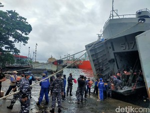 TNI AU dan TNI AL di Makassar Berangkat ke Sulbar Bantu SAR Korban Gempa