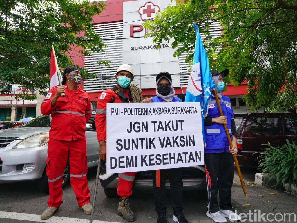 Aksi PMI Solo Kampanyekan Donor Plasma Konvaselen