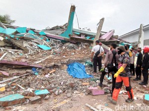 Cerita Ustaz Dasad Latif Selamat dari Gempa Bumi di Sulbar