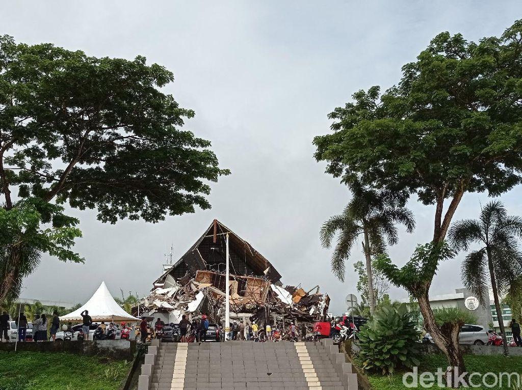 Before-After Kantor Gubernur Sulbar yang Ambruk karena Gempa Majene