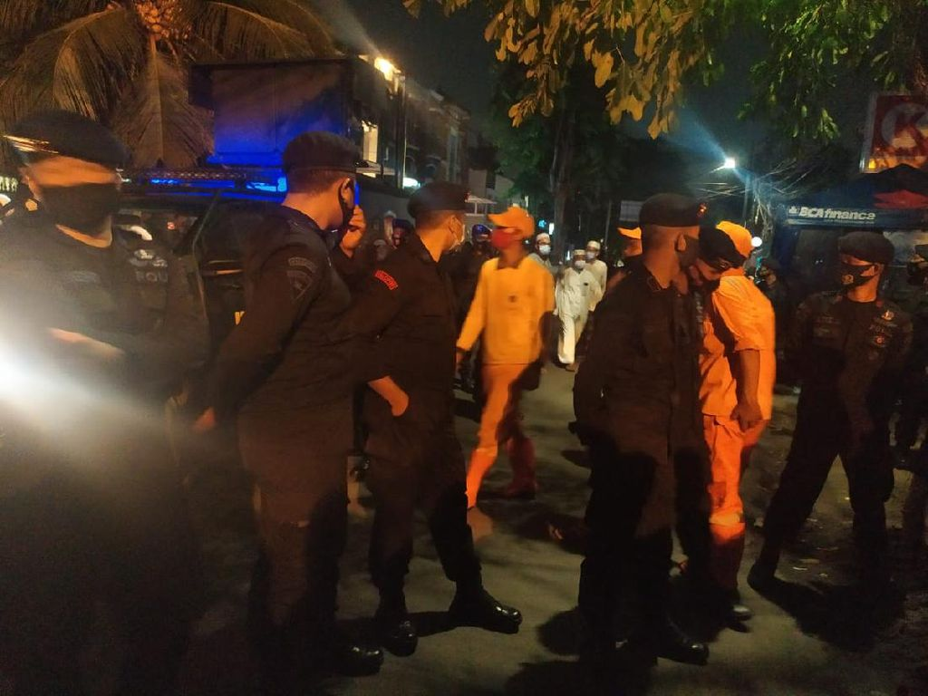 Pelayat Habib Ali bin Assegaf Berkumpul di Tebet Raya, Diimbau Pulang