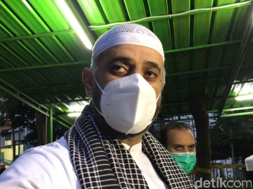 Syekh Ali Jaber Rela Berutang Demi Berangkatkan Haji Pemulung