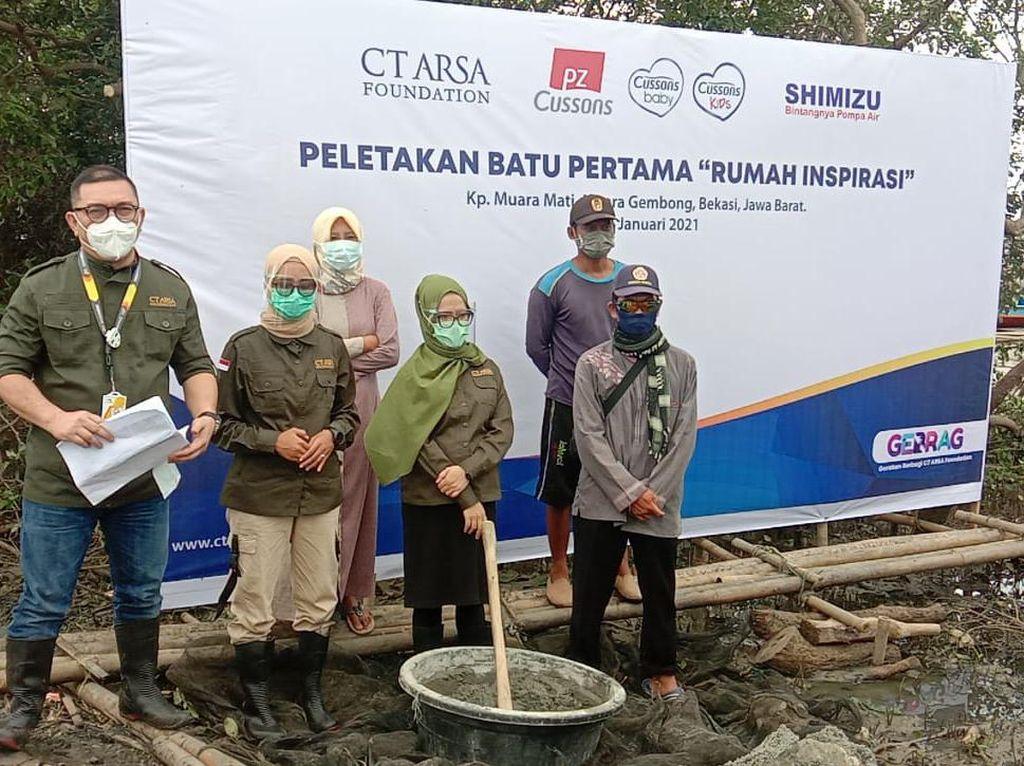 CT ARSA Foundation-PZ Cussons Bangun Rumah Inspirasi di Muara Gembong