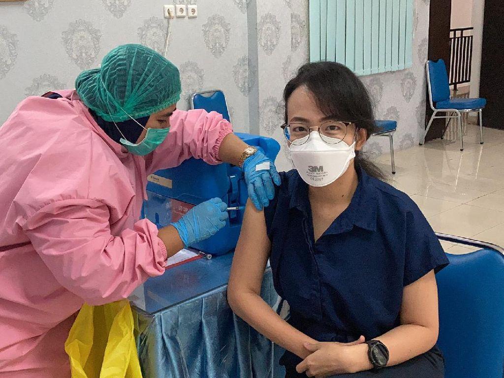 Pengalaman Disuntik Vaksin Corona Sinovac, Ternyata Begini Rasanya