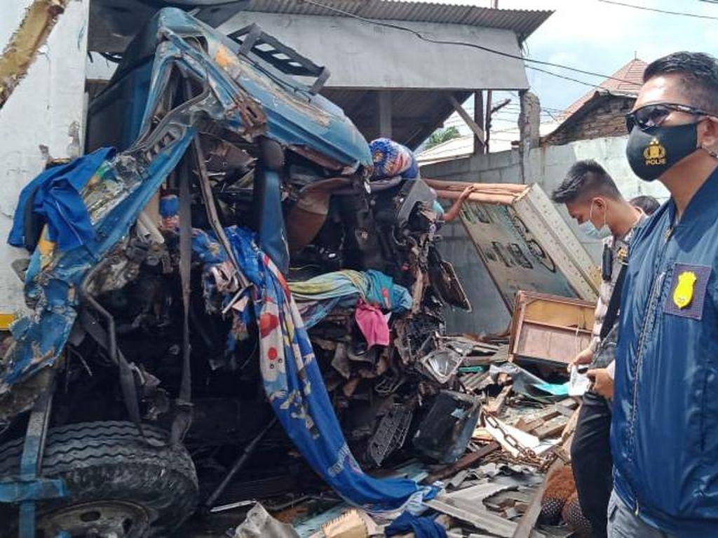 Polisi Ralat Kecelakaan Maut di Bawen: Truk Kontainer Vs Truk Sampah