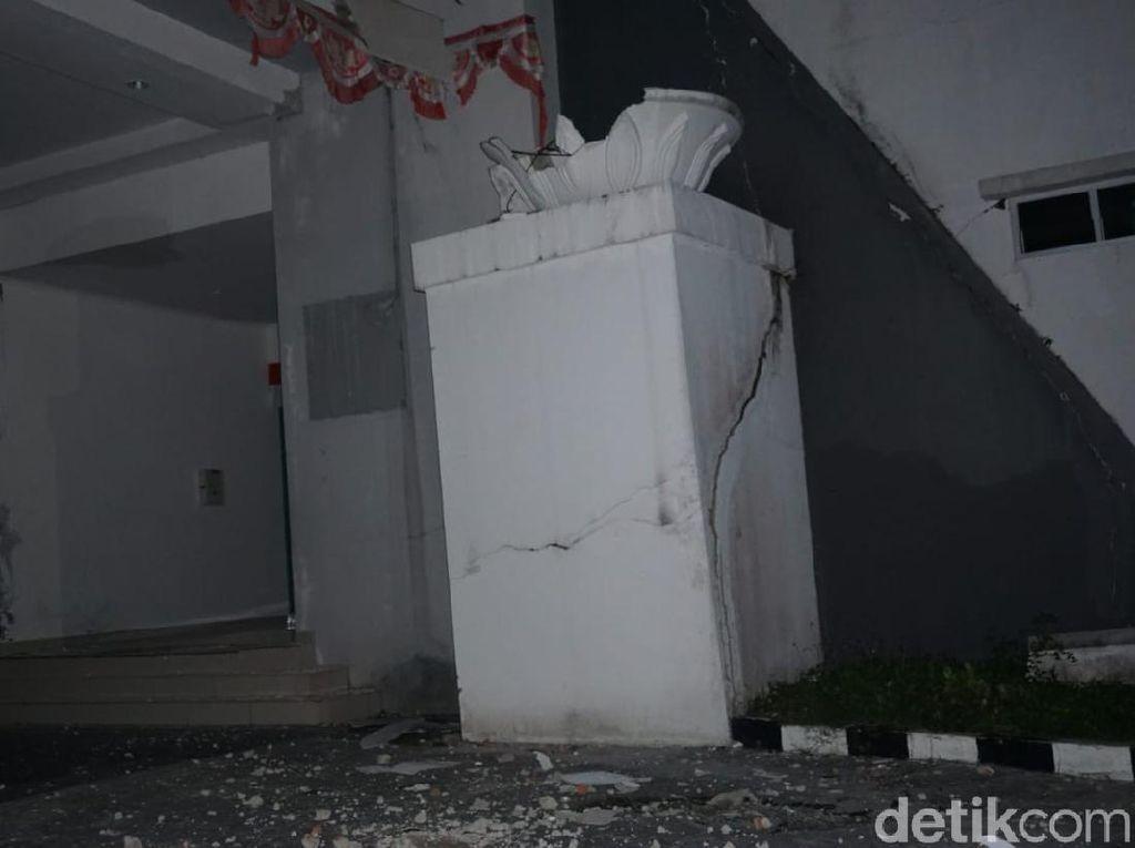 Kondisi Terkini Kantor Gubernur Sulbar yang Ambruk Akibat Gempa